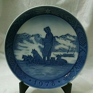 Sled Dogs 1978 Royal Copenhagen Collector Plate
